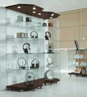 Retail Display Equipment That Attracts Customers