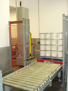 Automatic Pallet wrapping system for English Provender Company