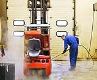 TOP TIPS TO CLEAN YOUR FORKLIFT