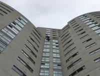 GG Abseil Rappel Down Cardiff Highrise Building