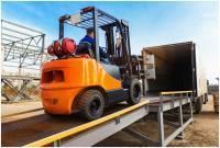 FORKLIFT OPERATING TIPS FOR THE SUMMER