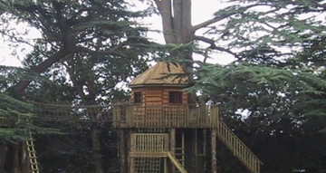 High-End Bespoke Wooden Treehouse Supplier