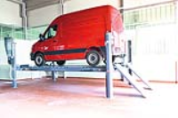 Four Post Carlift With 5000kg Load Capacity