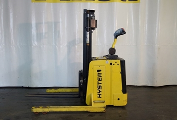 1.5 Ton Platform Stackers for Hire