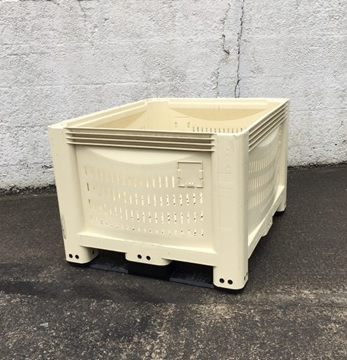 Used Vented Plastic Box Pallets