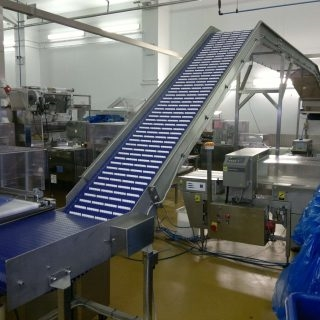 Inclined Conveyors For All Food Sectors
