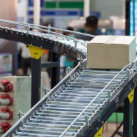 Gravity Roller Conveyors For Cardboard Boxes