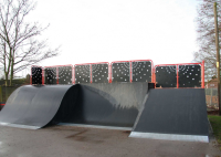 Wide Quarter Pipe Skatepark Equipment For Youth Clubs