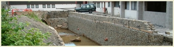 Reinforced Top Edge Retaining Walls