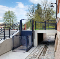 Open Platform Lifts For Outdoor Applications
