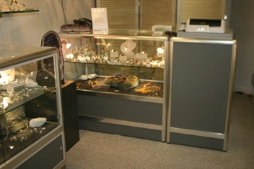 Bespoke Retail Display Counters With Lights