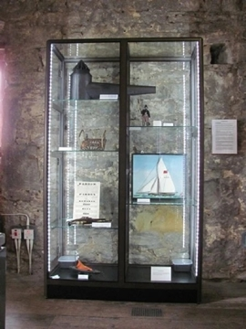 Bespoke Museum Display Cabinets With LED