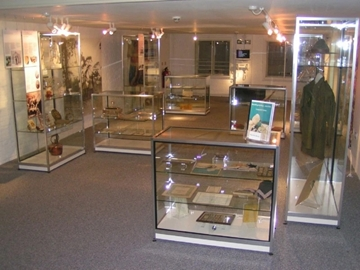 Bespoke Museum Display Cabinets With Lights