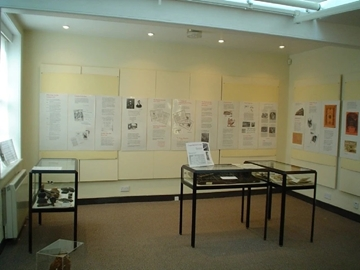 Table Display Cabinets For Museums