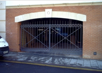 High-Security Sliding Gates In Nottingham