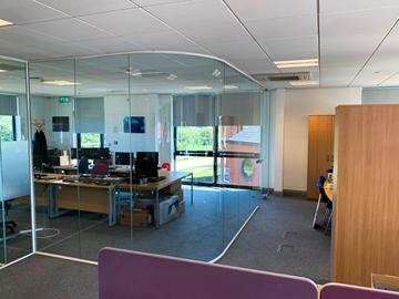 Curved Glass Partitioning Systems