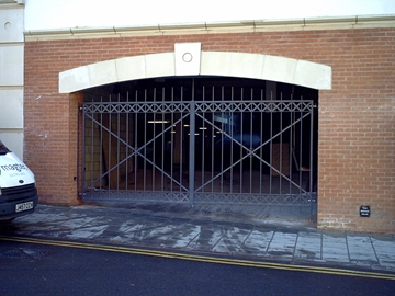 Commercial Gates In Leicester