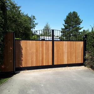 Residential Wooden Electric Gates Hertfordshire