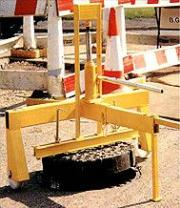 Covermate Manhole Lifter