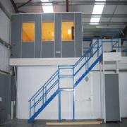 Braced mezzanine floors