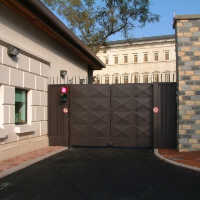Bi-fold Speed Gates
