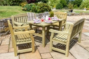 Stylish and Comfortable Alfresco Dining Sets
