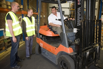 Forklift Training and ReCertification in Essex