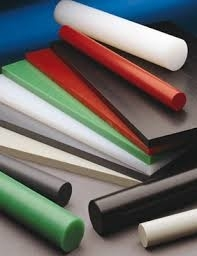 Flame retardant and coloured thermoplastics.