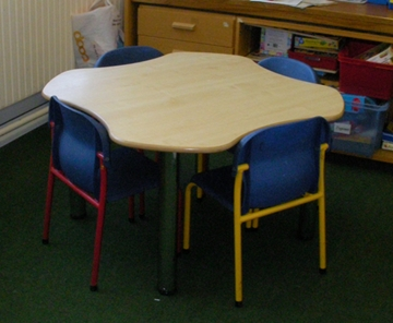4 Person Clover Table
