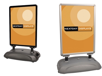 CV1 SightMaster 3 In silver and BLACK finish Flexible, large format poster display solution