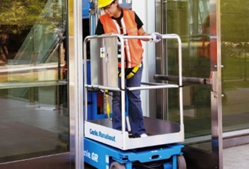 6.35m Powered Personnel Lift Hire