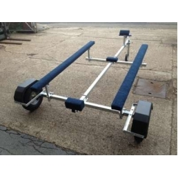 EXT500 Bunked galvanized boat trailer
