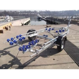 EXT750 Roller galvanized boat trailer