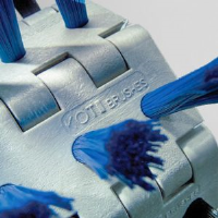Wire Drawn Polyester Fill Brushes