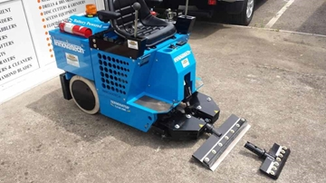 HIRE RIDE ON TILE REMOVER 2100XME BATTERY POWERED