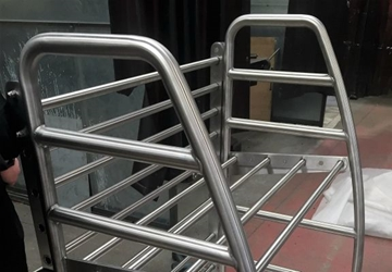 STAINLESS STEEL LUGGAGE RACKS FOR RAIL