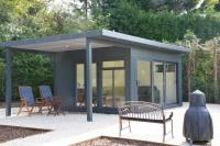 Garden Room with side overhang Case Study 5480
