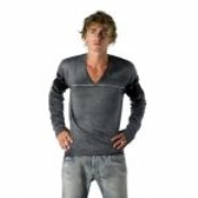 Diesel Maglia Sweater Luxurious, bleached fine knit Diesel V-Neck with bold ...